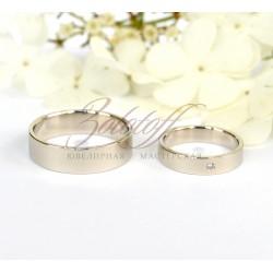 Плоские обручальные кольца с камнем